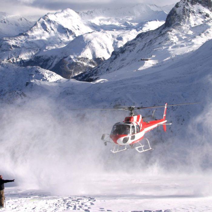 Esprit | Helicopter landing in Tignes