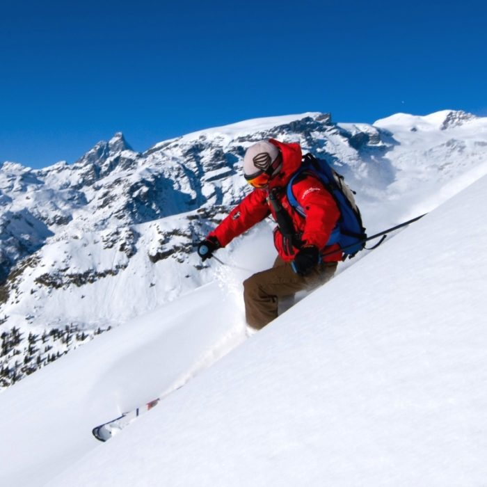 Esprit | A skier in Gressoney enjoying the off piste