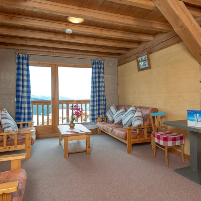Esprit | The shared lounge on the second floor of the Chalet Schatzi