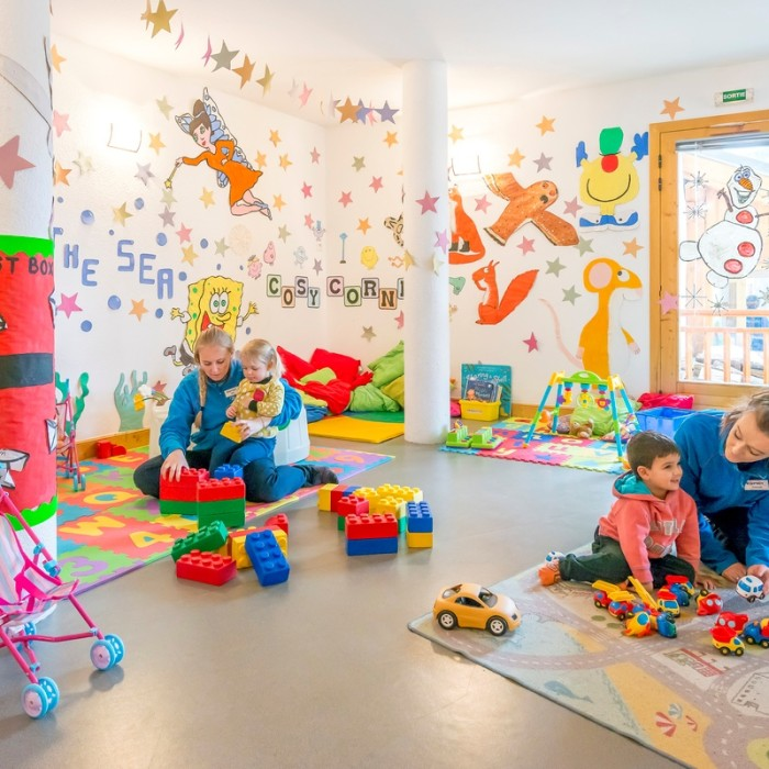 Esprit | Children playing in the nursery of the Chalet Hermine