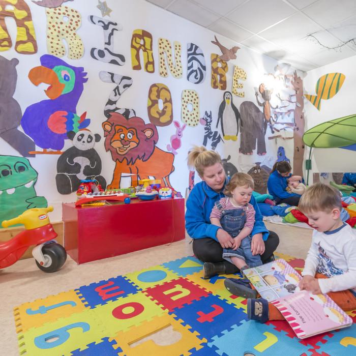 Esprit Ski |Children playing in Chalet Hotel Mariandre's nursery, Alp d'Huez