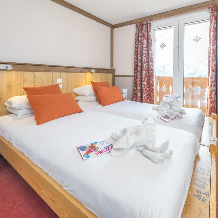 Esprit Ski | Double bedroom in the Chalet Hotel Mariandre, Alp d'Huez