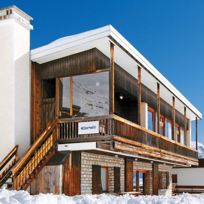 Esprit | Exterior view of the Chalet Caribou