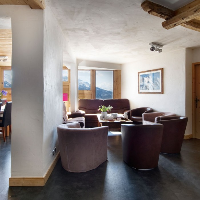 Esprit | Lounge and Dining areas in the Chalet Romeo