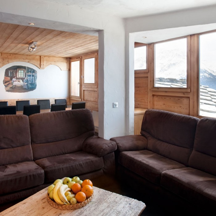 Esprit | Lounge area of the Chalet Romeo