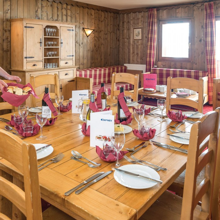 Esprit   Dining area in the Chalet