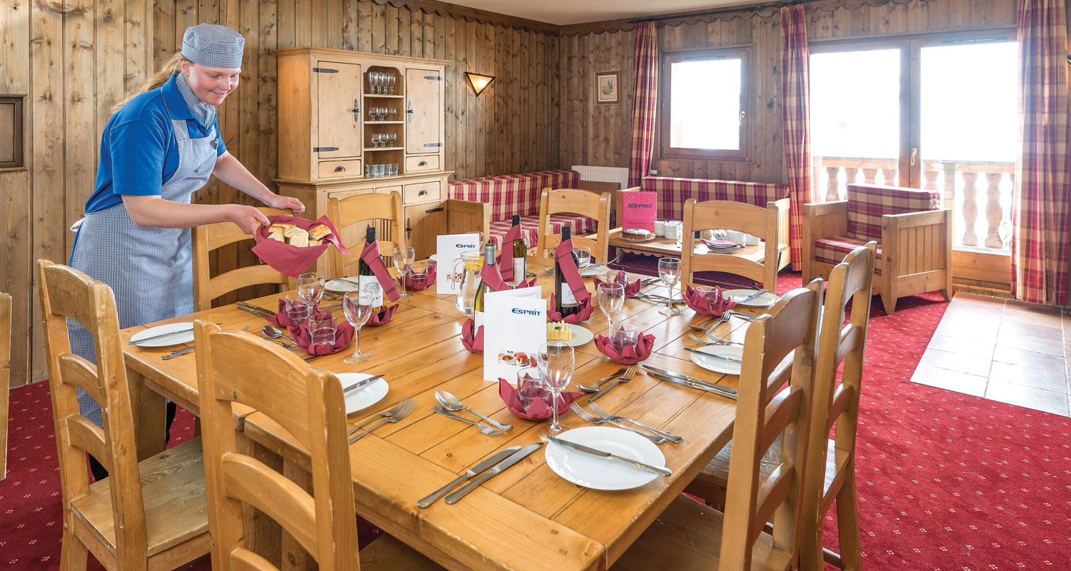 Chalet Mckinley Altitude Residences Les Arcs 2000 France Esprit Sheet Set Lily King Size Dining Area In The
