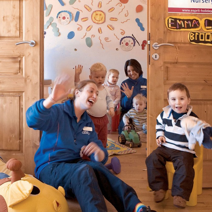 Esprit |Smiles all around in the La Chaumière Chalets Nursery