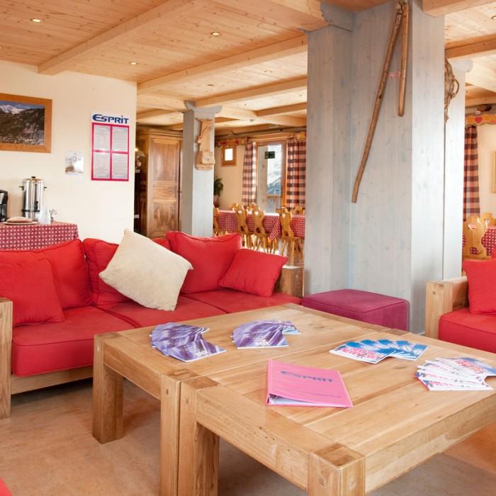 Esprit | Lounge area of the Chalet Schatzi