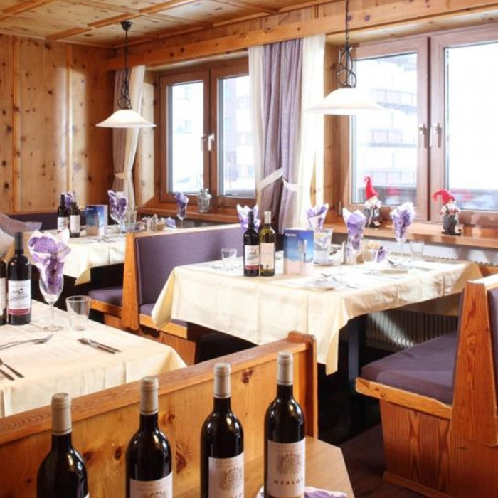 Esprit | Dining area in the Chalet Alpenblume