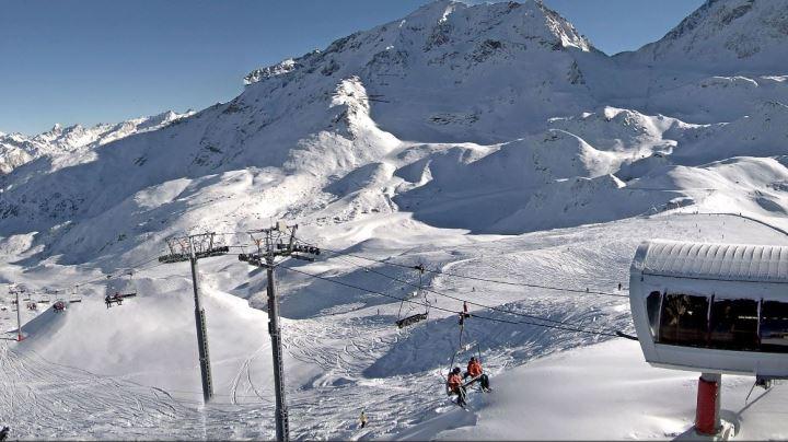 Esprit | Les arc webcam snapshot of the pistes looking great