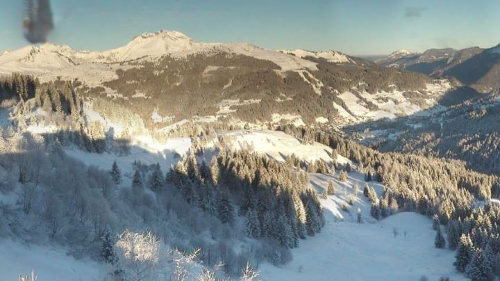 Esprit | Les Gets webcam snap shot of the valley