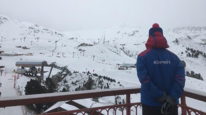 Esprit | Esprit rep overlooks a snowy Les Arc 2000